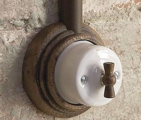 Interruptores y enchufes rústicos